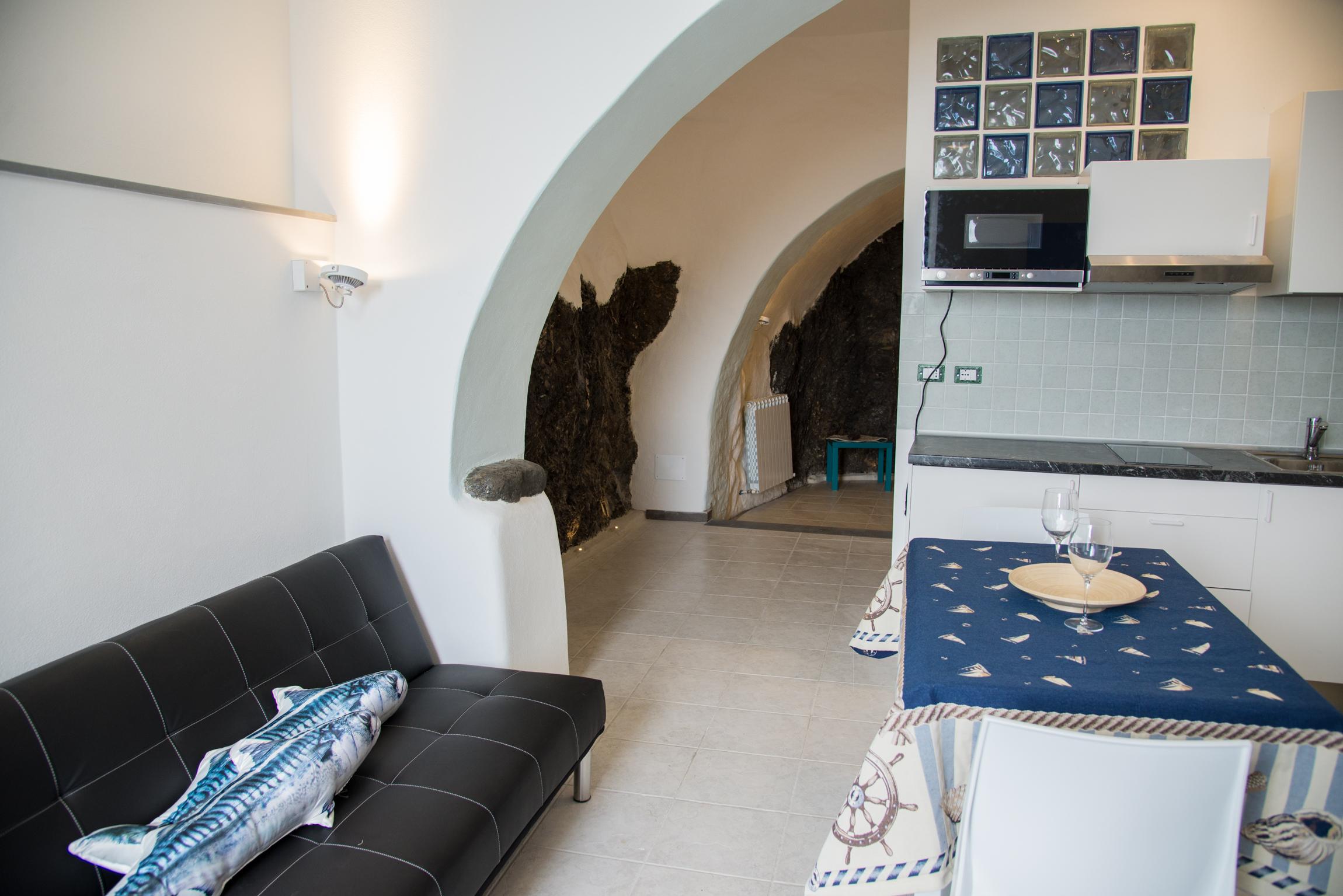 Appartamento maestrale 1 manarola cinque terre for Meuble agavi monterosso al mare