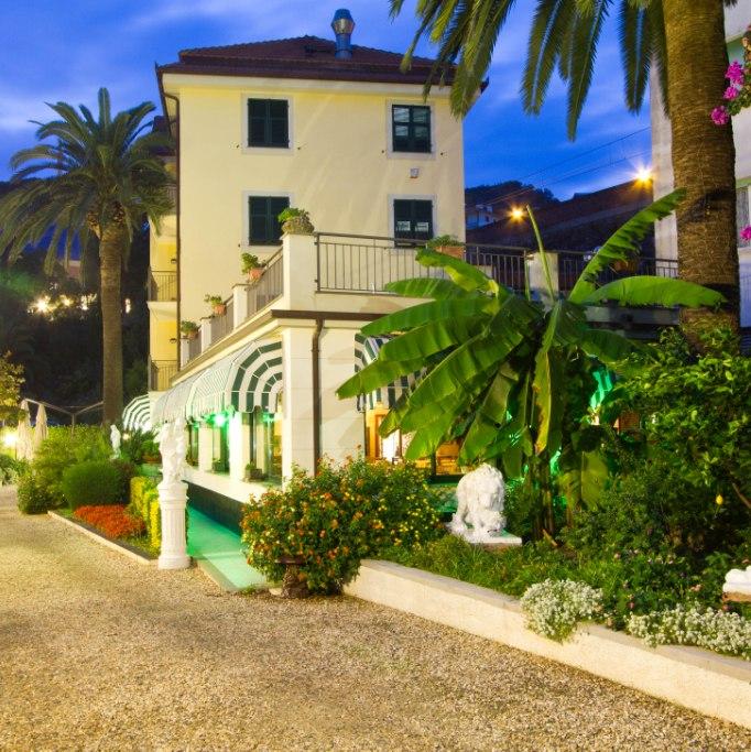 hotel-villa-argentina-garden
