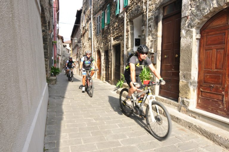 tuscany bike tours