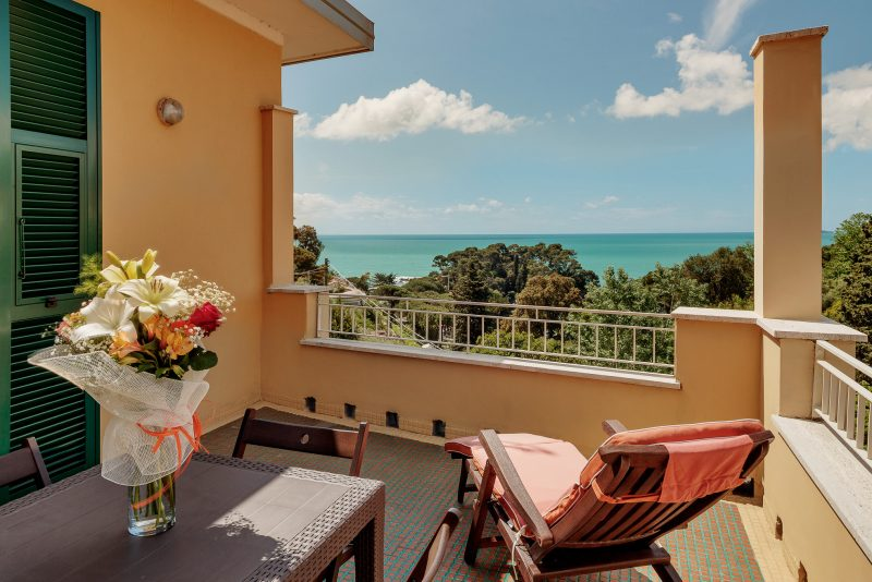 hotel sea view lerici