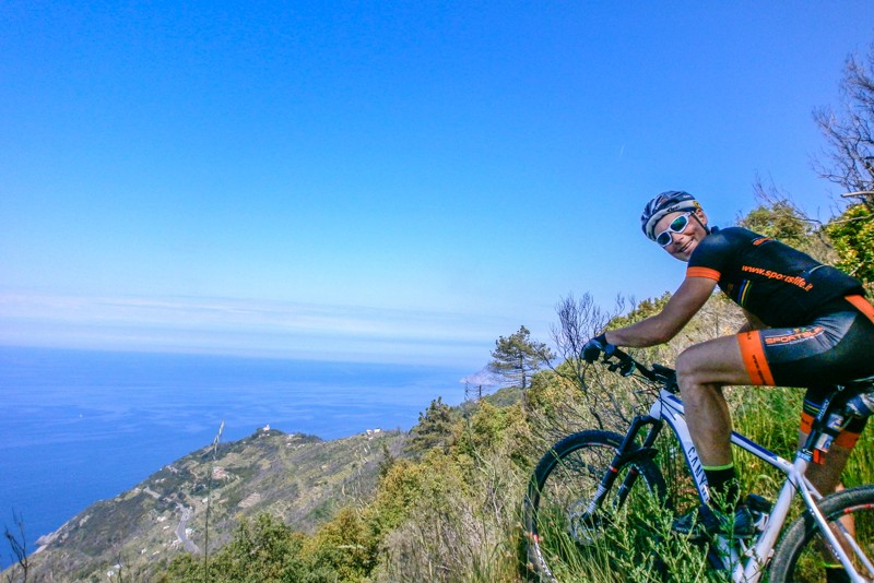 mountain bike cinque terre