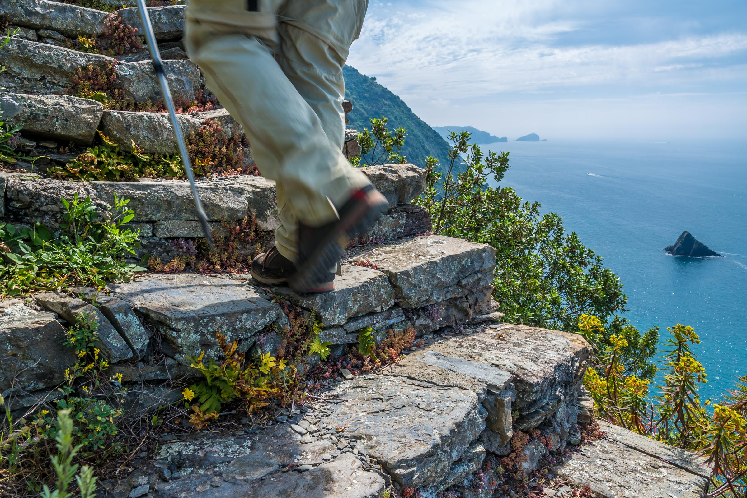 self guided hiking package in hotel- levanto - cinque terre tours