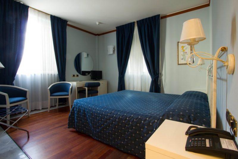 hotel villa moneglia liguria