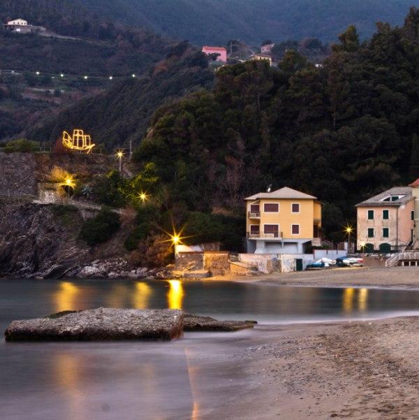 Hotel villa moneglia cinque terre accommodation for Hotel moneglia