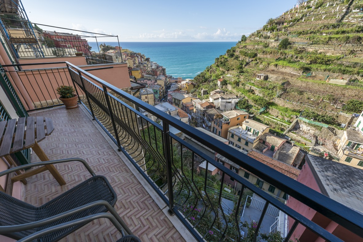 cinque terre luxury apartment
