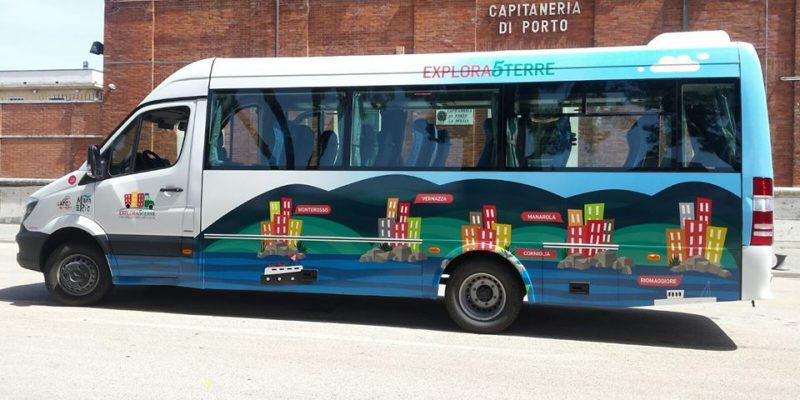 hop on hop off cinque terre by bus