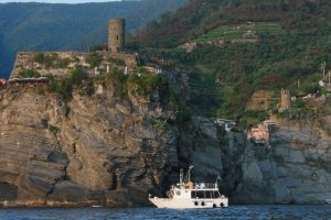 full day cinque terre by boat